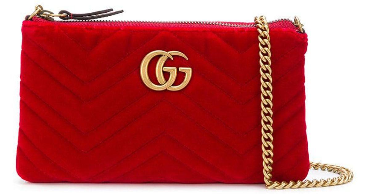 Lyst - Mini sac porté épaule GG Marmont Gucci en coloris Rouge da4098379a9