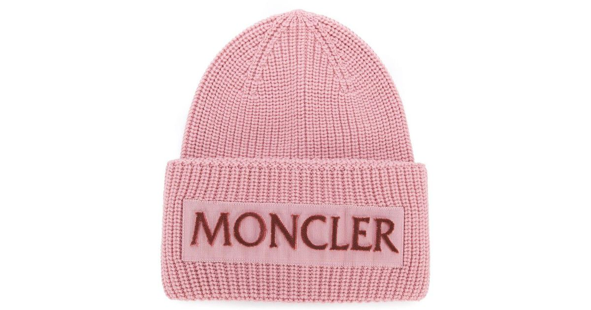 62f68a436a7 Moncler Rib Knit Logo Beanie in Pink - Lyst