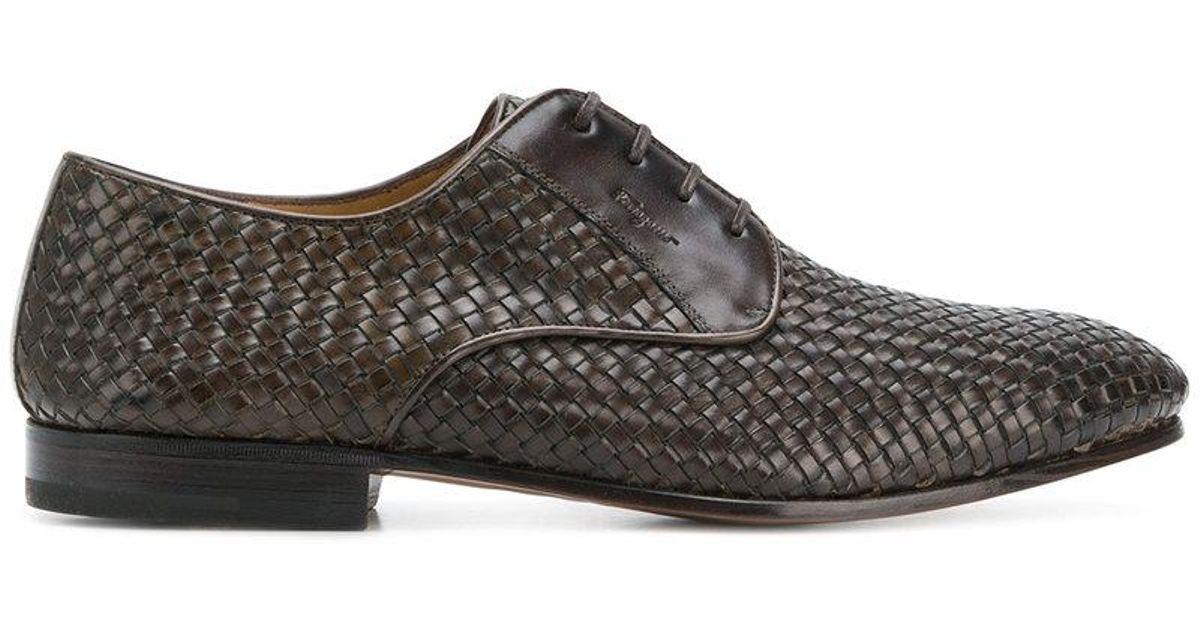 e4a4601a0 Zapatos derby tejidos Ferragamo de hombre de color Marrón - Lyst