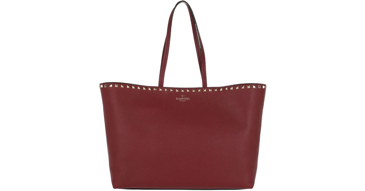 Valentino Rockstud Studded Shopping Bag Leather Burgundy in Red - Lyst 5f97713e907