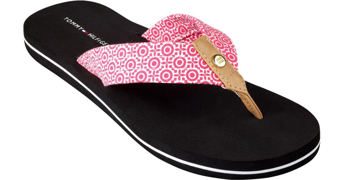 b7e76baa Tommy Hilfiger Womens Corrale Flip Flops in Pink - Lyst