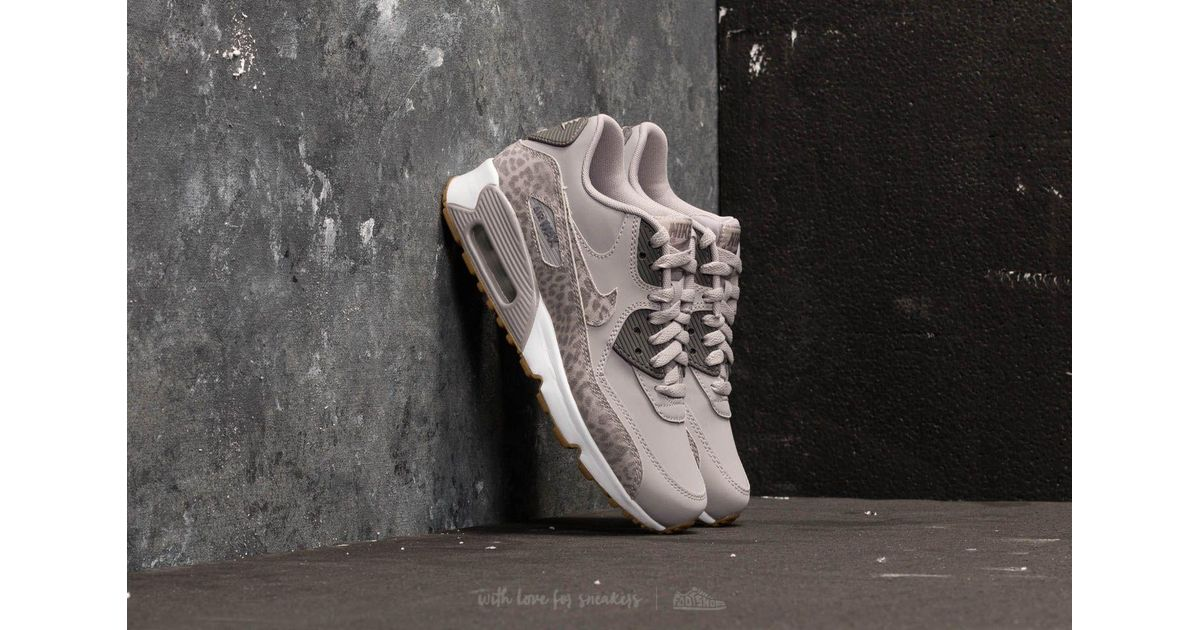 new product 11d69 6655a Nike Air Max 90 Leather Se Gg Atmosphere Grey  Gunsmoke-white in Gray - Lyst
