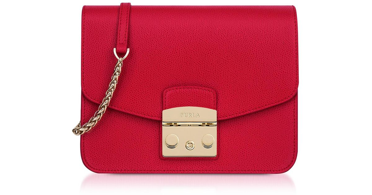 dab1e8f03 Furla Ruby Red Leather Metropolis Small Crossbody in Red - Lyst