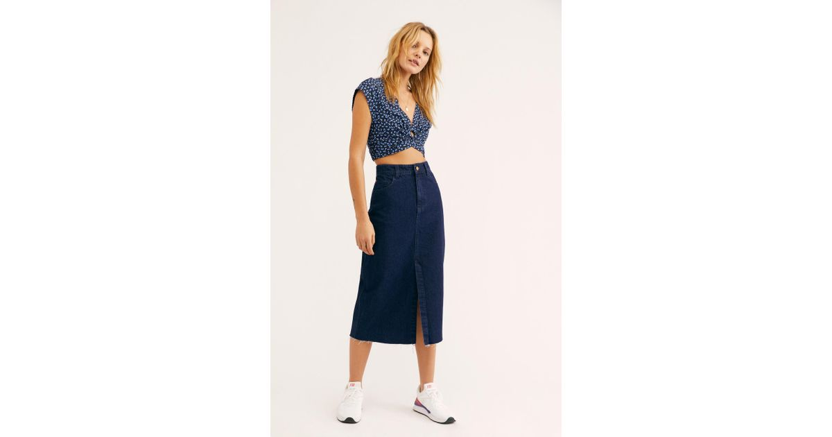 2ce662b9fa Free People We The Free Wilshire Denim Skirt in Blue - Lyst