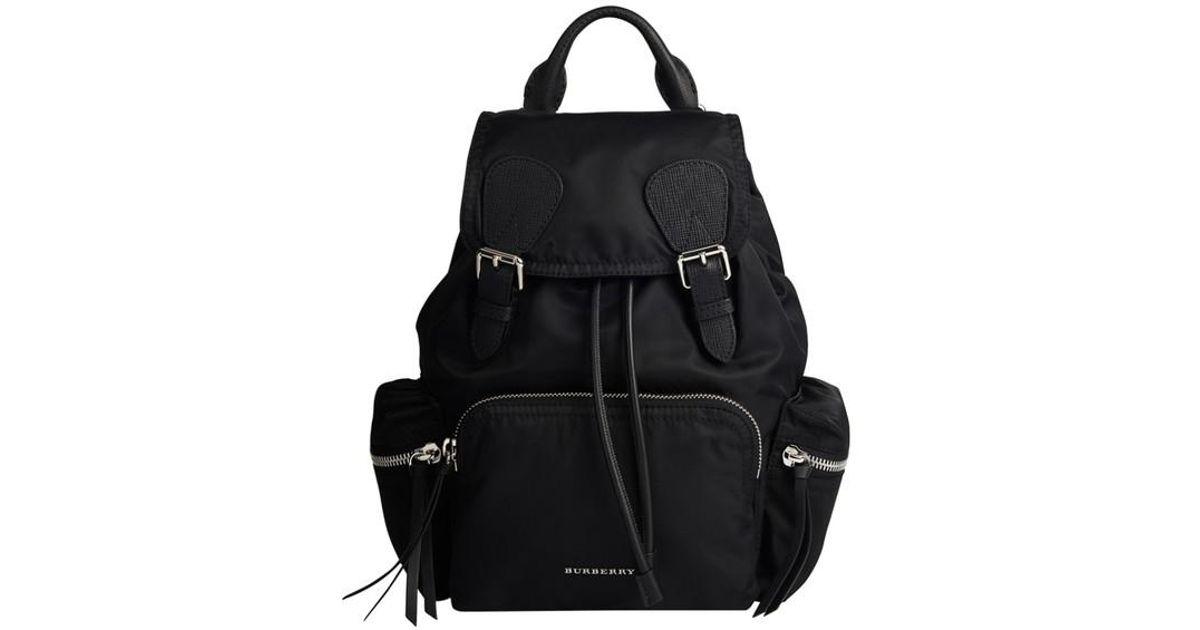 Lyst - Sac à dos femme The Rucksack moyen en nylon et cuir Burberry en  coloris Noir 29870a7bc09