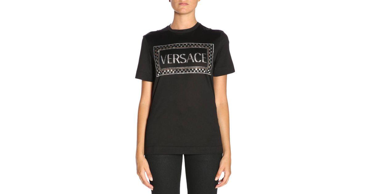 2f12d8aa Lyst - Versace T-shirt Women in Black