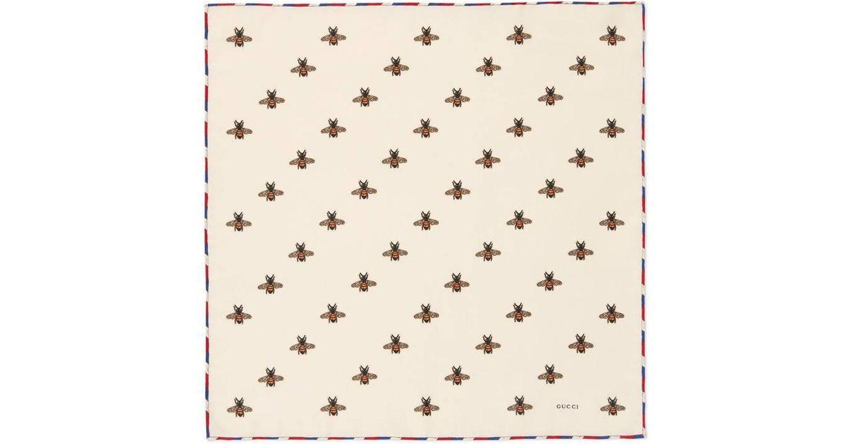 Lyst - Carré de soie pour pochette à imprimé abeilles Gucci pour homme en  coloris Neutre 4d170c2913e