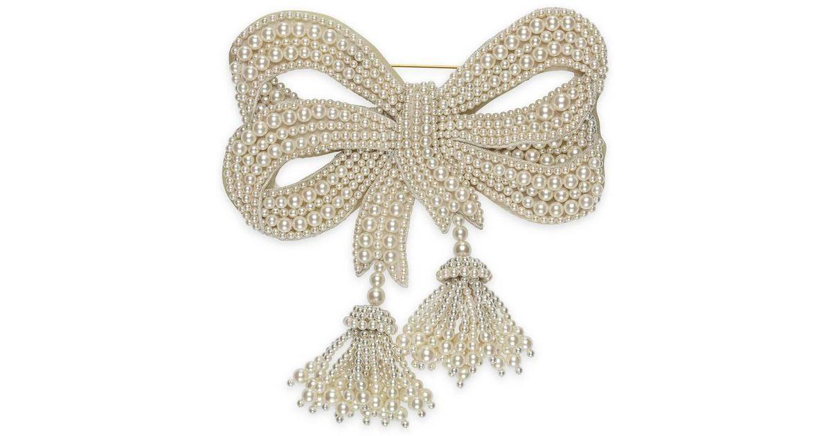 8b81d3bd21d Lyst - Gucci Resin Pearl Bow Brooch