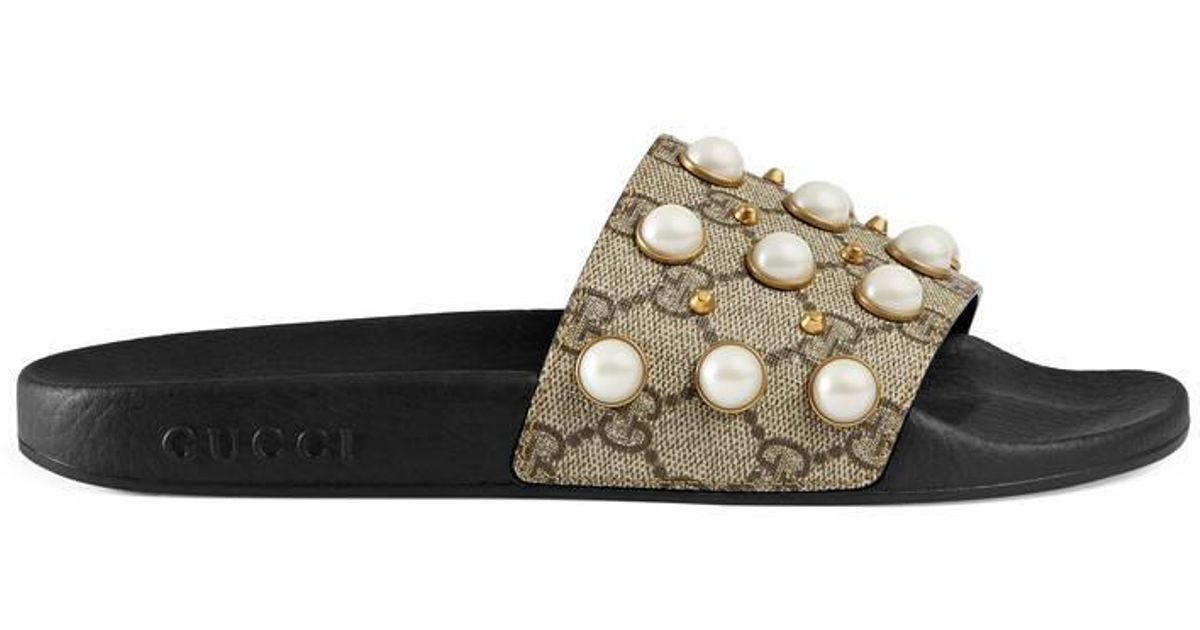 a65f4ccd7ba Lyst - Gucci GG Supreme Slide With Pearls in Natural