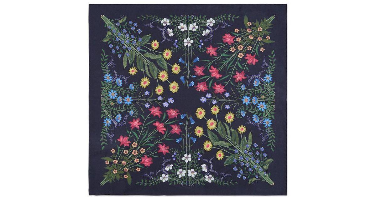 Lyst - Carré de soie pour pochette à imprimé Nouveau Flora Gucci pour homme  en coloris Bleu 083bdabede8