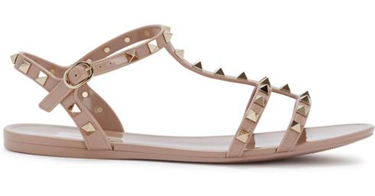 23d477942d24 Valentino Rockstud Blush Rubber Sandals in Natural - Lyst