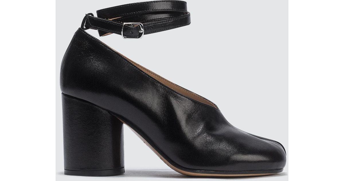c77dd739ace2 Maison Margiela Split-toe Tabi Heels in Black - Lyst