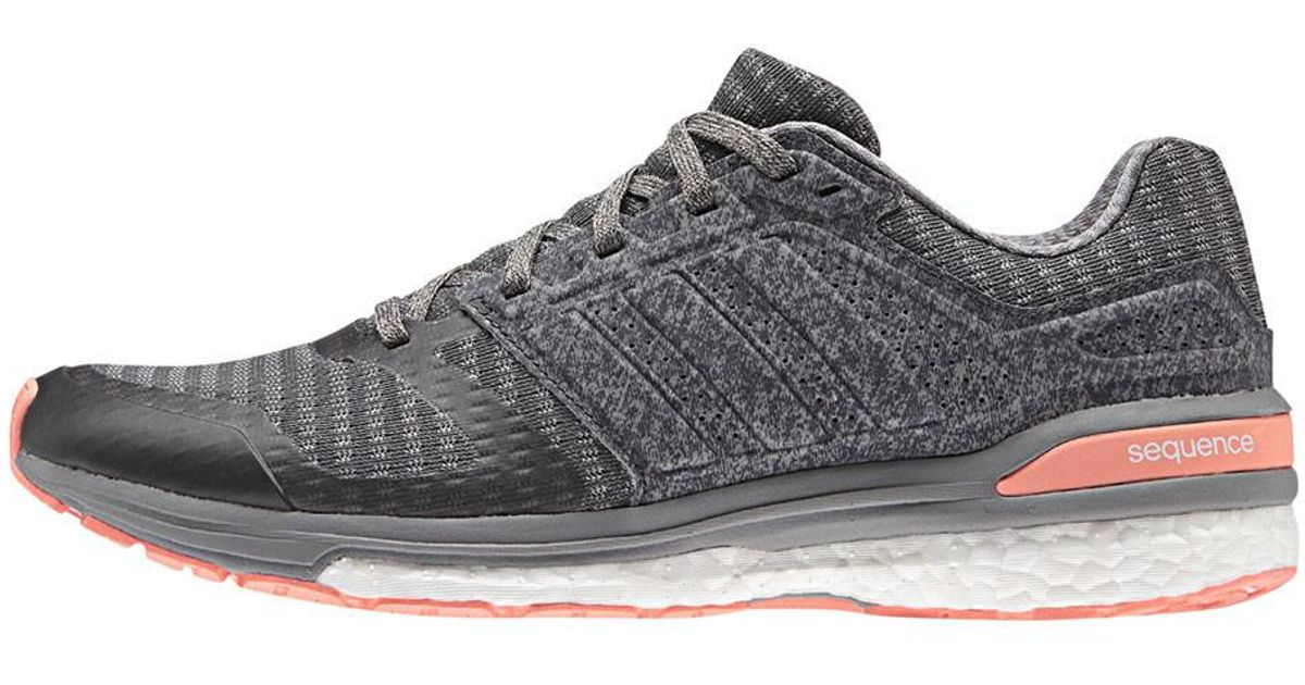 lyst adidas donne supernova sequenza impulso 8 scarpe da corsa in grigio.