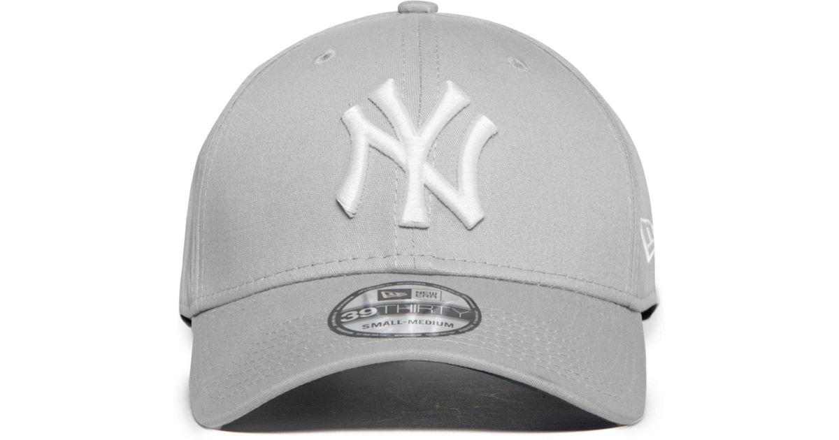 8025d13bac0 ... australia lyst ktz new york yankees 39thirty fitted cap in gray for men  505ef 29063