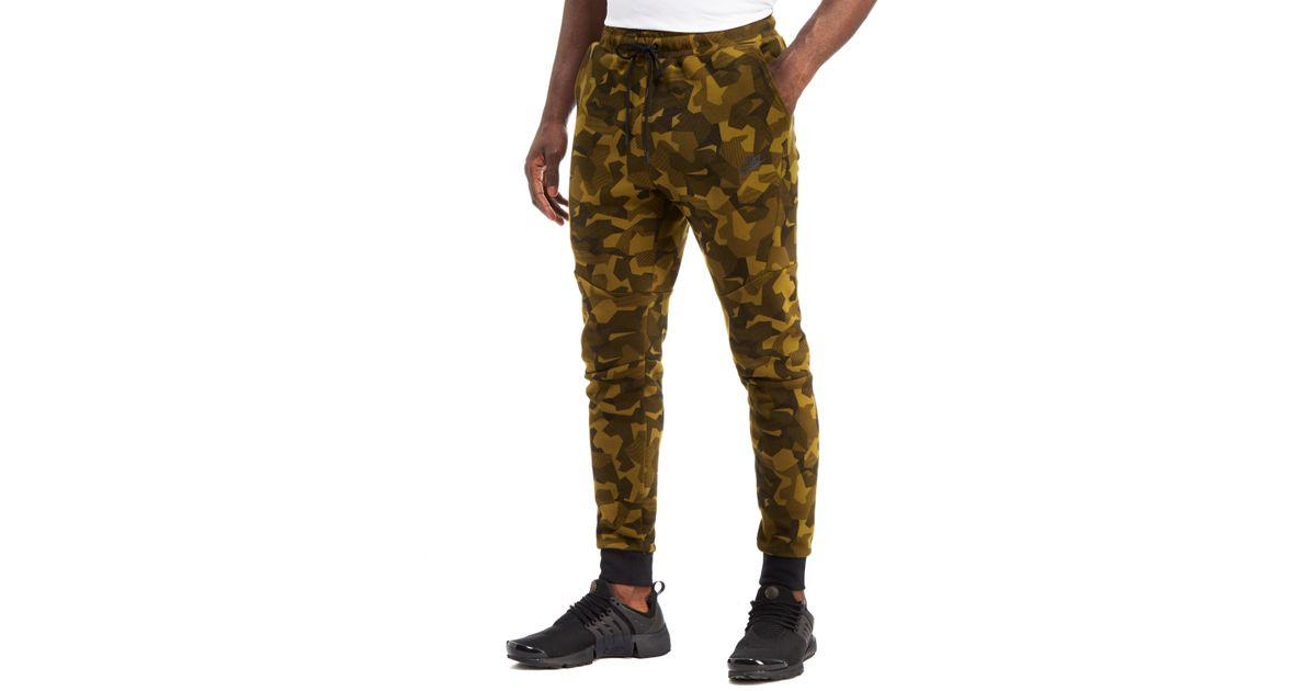 a04298586525 Nike Tech Fleece Camouflage Pants in Green for Men - Lyst