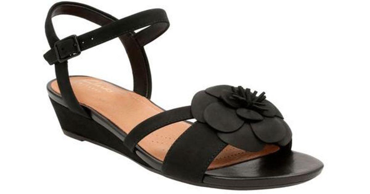 330ea813e68 Lyst - Clarks Women s Param Stella Flat Sandals in Black