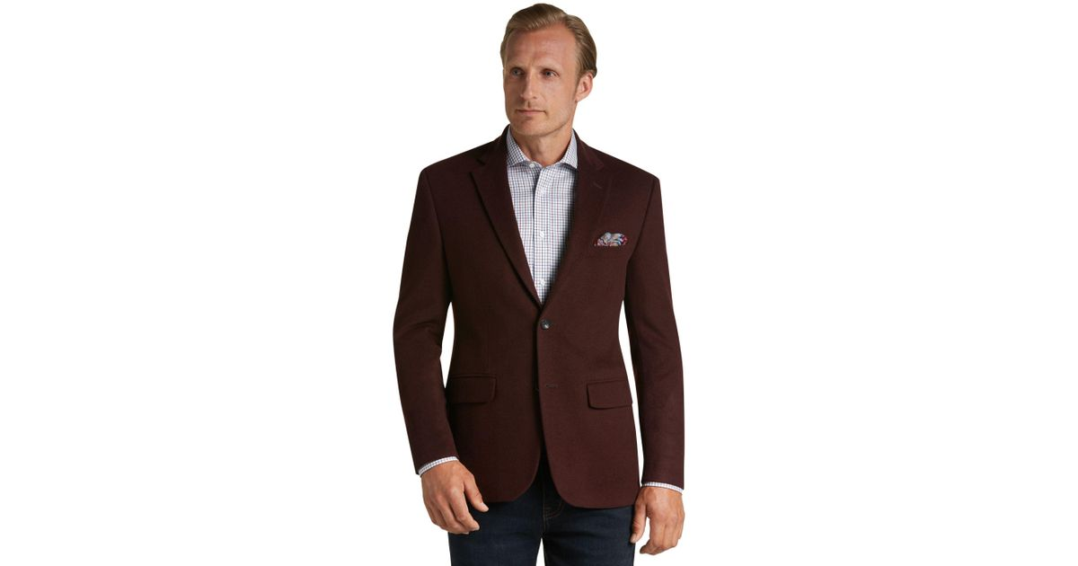 Don't know your suit or sport jacket size? View our suit sizing chart including how to measure your neck, sleeve & chest for the best suit fitment.