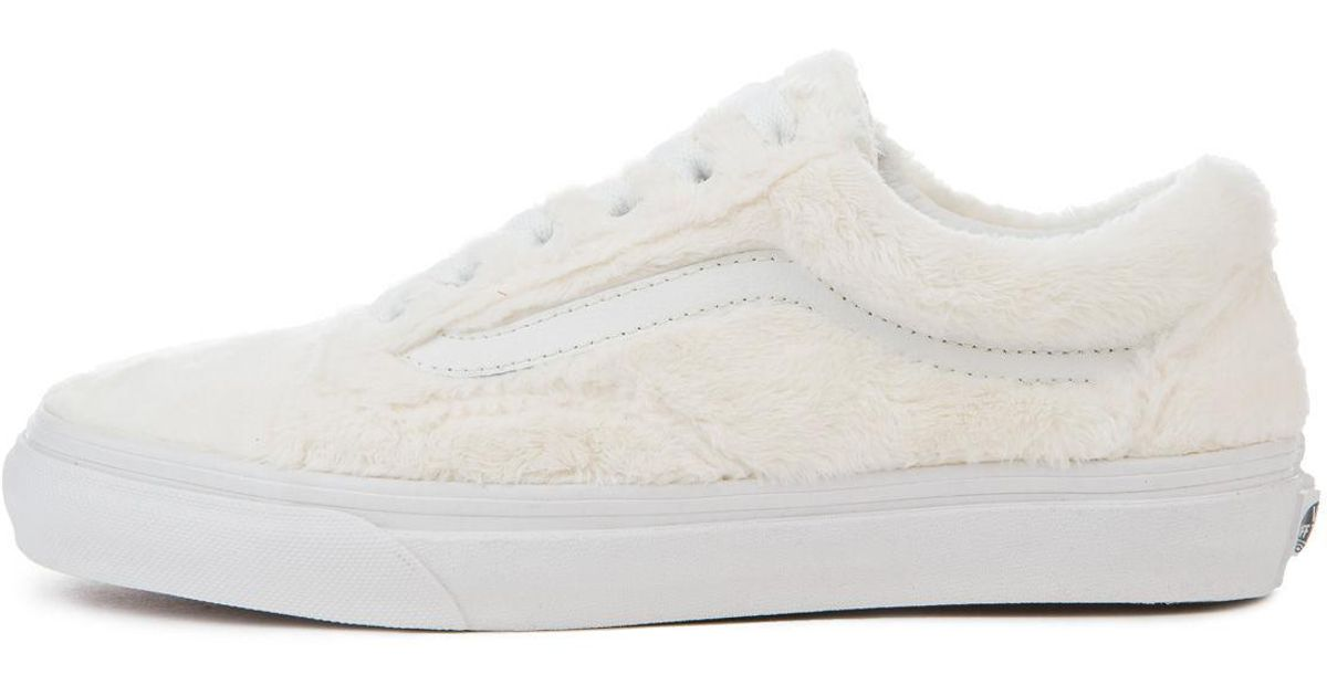 c96769177bd3 Lyst - Vans The Women s Old Skool Sherpa In Turtledove And True White in  White