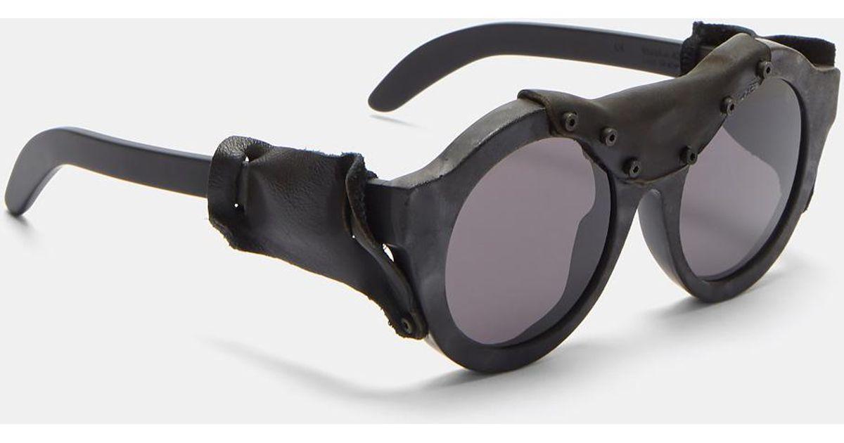 4e3711aedcb kuboraum-black-Mask-E3-Oversized-Leather-Stapled-Matte-Sunglasses-In-Black .jpeg