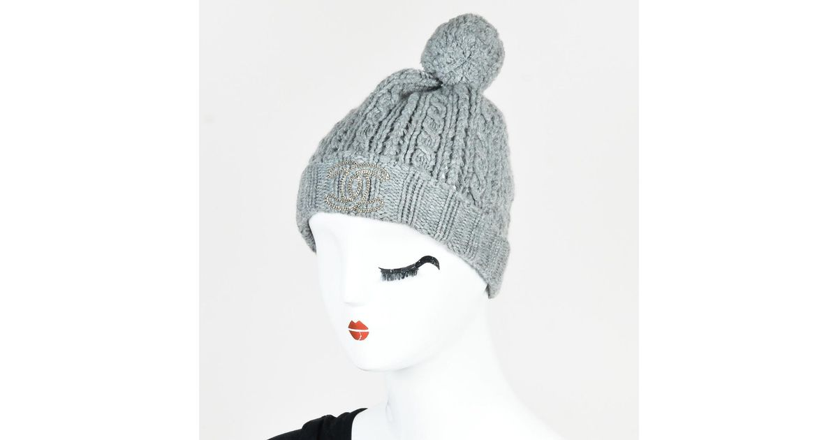 b486804bcb9 Chanel Gray Cashmere Cable Knit Pom Pom Beanie Hat in Gray - Lyst