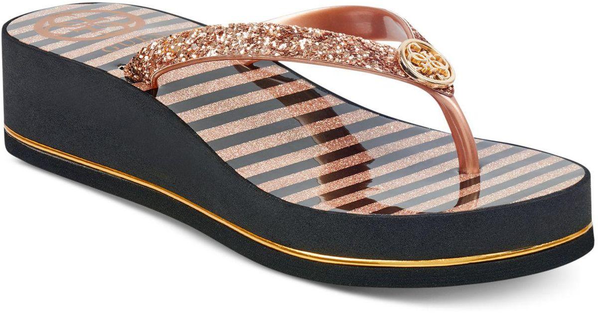 8787f433042ab Lyst - Guess Enzy Flip-flops