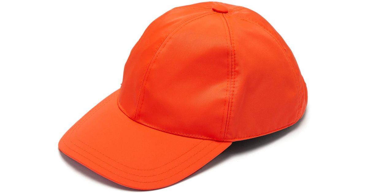 81dbb139ae3d9 Lyst - Casquette à plaque logo Prada pour homme en coloris Orange