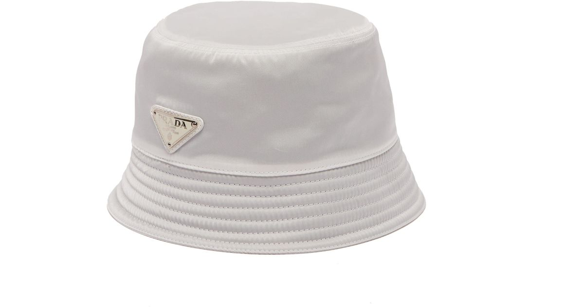 5dd304588b5 Prada Logo Bucket Hat in White for Men - Lyst