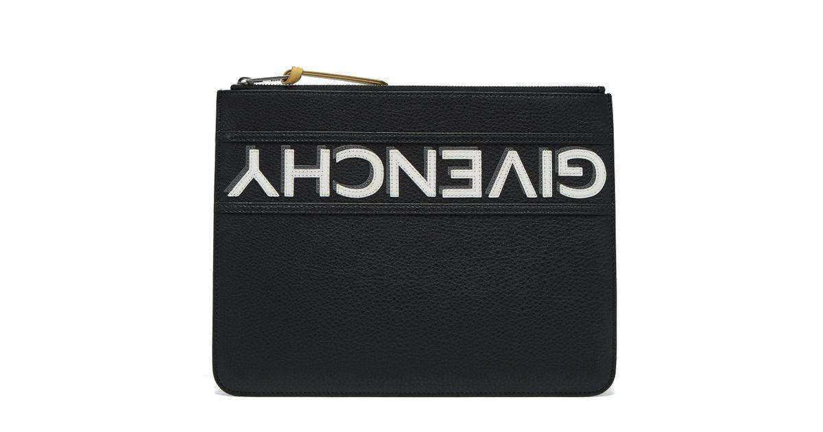 36801d7542e Lyst - Pochette En Cuir Grainé Avec Logo Renversé Givenchy pour homme en  coloris Noir