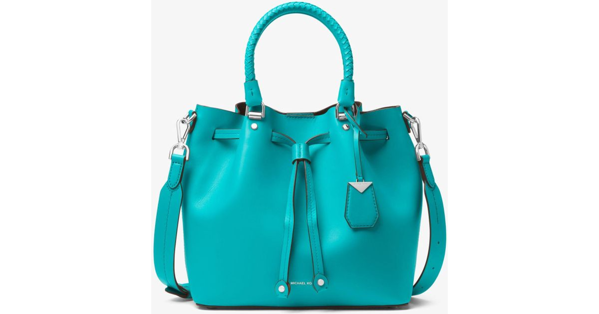 54d3c2ef2aef Michael Kors Blakely Leather Bucket Bag in Blue - Lyst