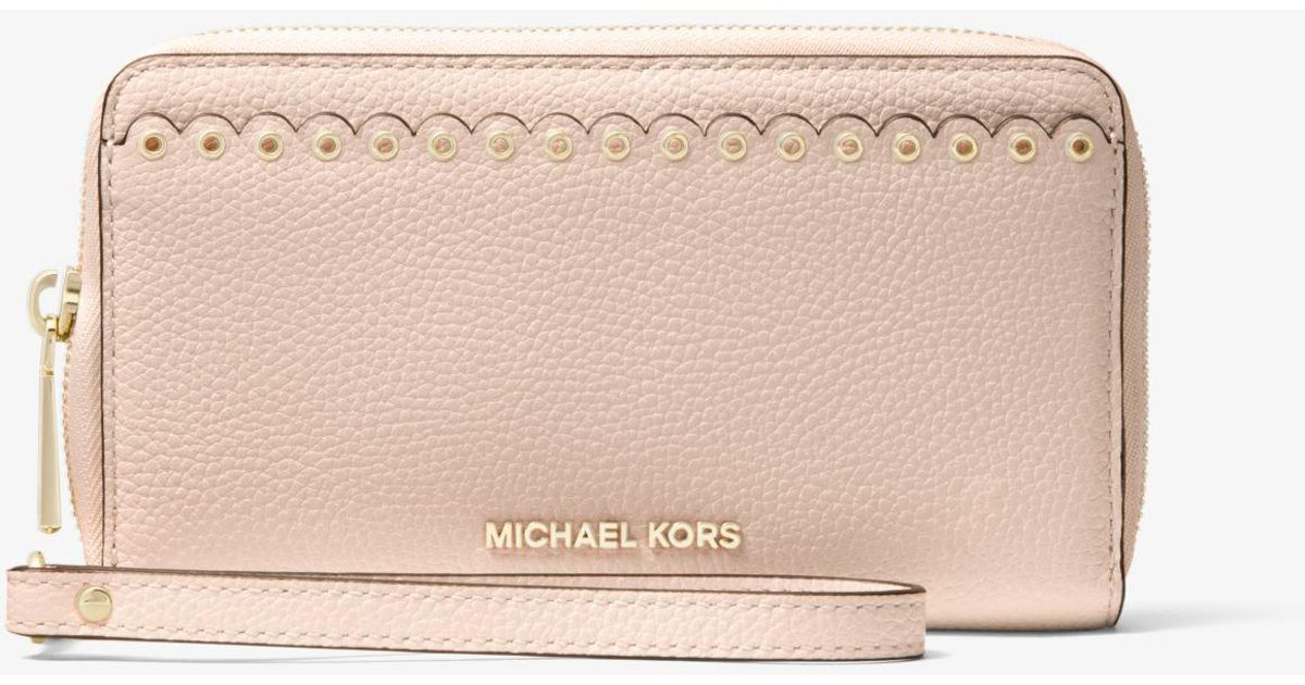 a55905b4cdb4 Michael Kors Large Scalloped Leather Smartphone Wristlet in Pink - Lyst