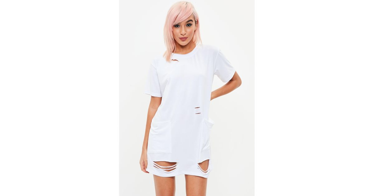 Lyst Missguided Petite White Distressed Pocket T Shirt