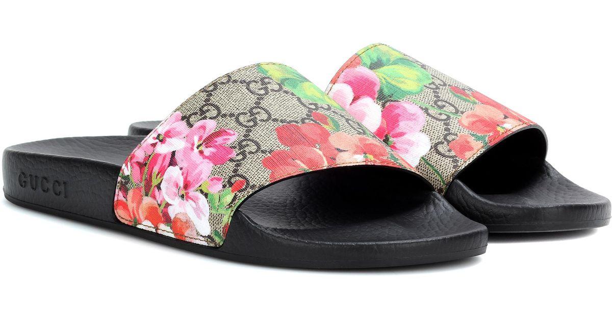 71e9edcc23b Lyst - Gucci GG Blooms Supreme Slides