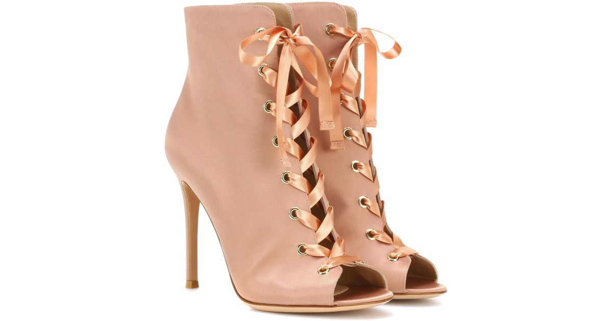Lyst gianvito rossi exclusive to mytheresa com marie - My peep toes ...