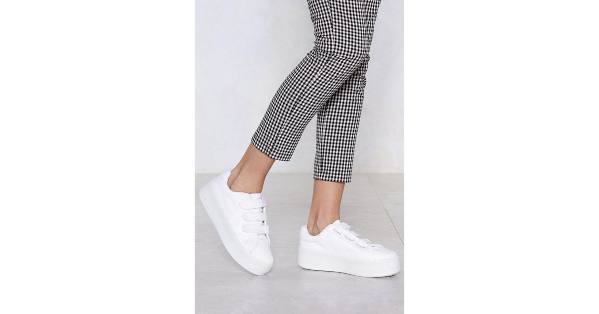 56c3ab311 Lyst - Nasty Gal You Raise Me Up Platform Sneaker in White