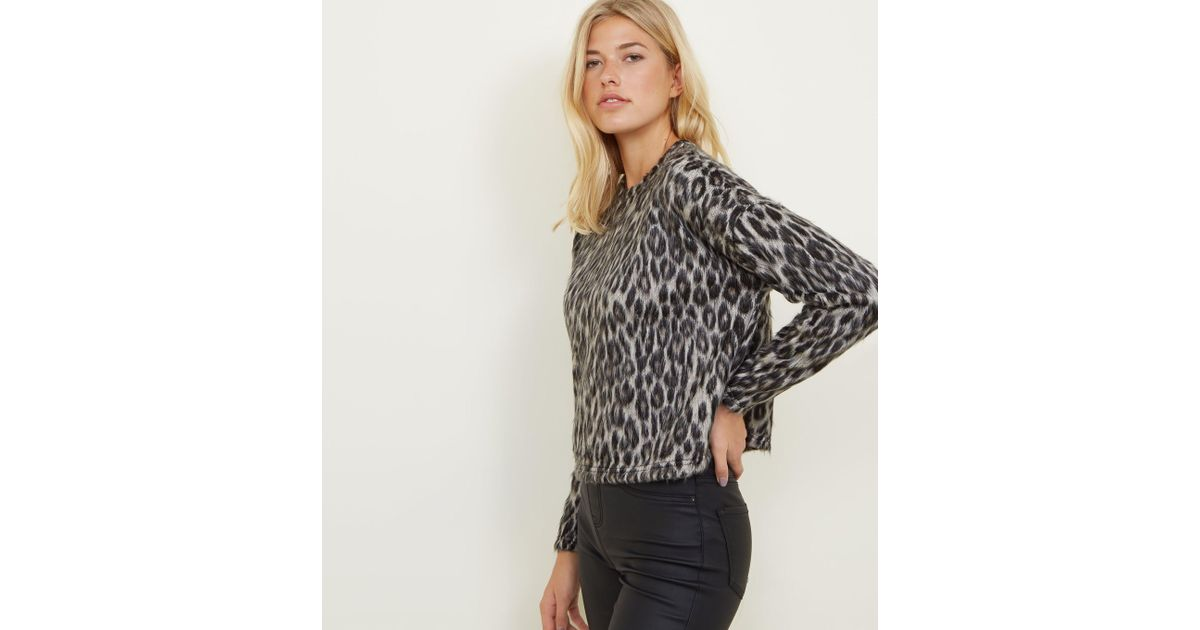 59c50c62d40c New Look Brown Brushed Fine Knit Leopard Print Top in Brown - Lyst