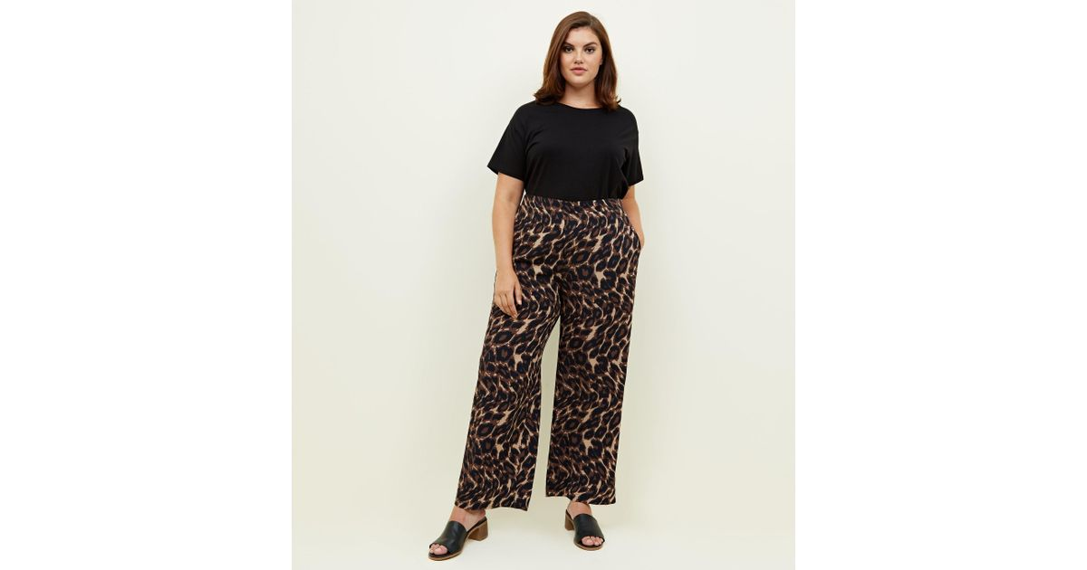 18c3df7e000f New Look Curves Brown Leopard Print Wide Leg Trousers in Brown - Lyst