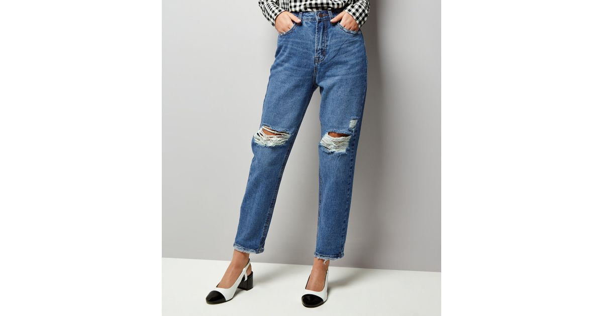 12c69216fd New Look Blue Ripped Knee Tori Mom Jeans in Blue - Lyst