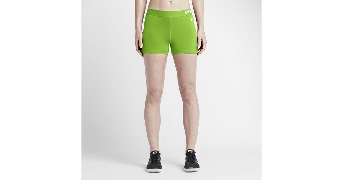 ea7c425e3146 Lyst - Nike Pro Hypercool Women s 3