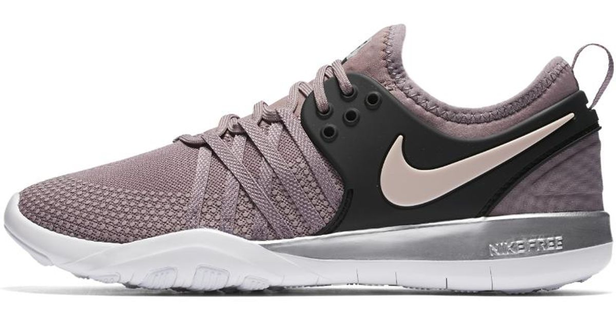 Lyst - Nike Free Tr7 Chrome Blush Sneakers in Gray dcf5057c0