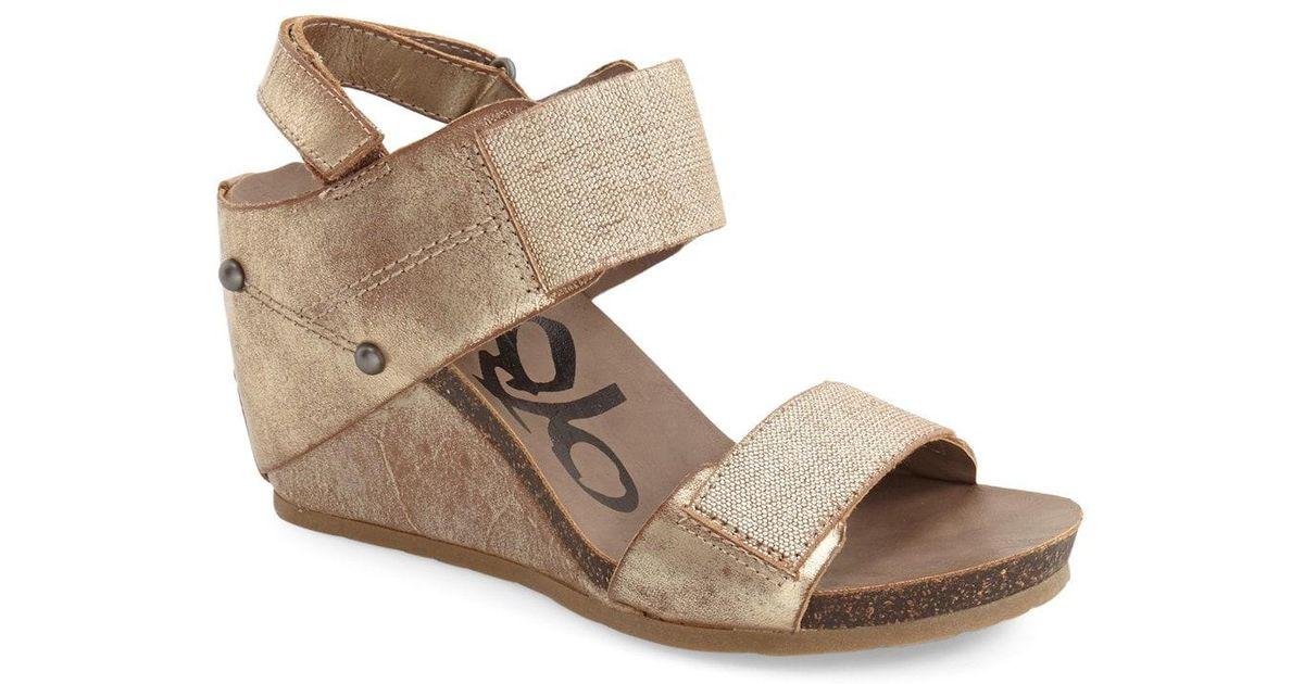 f5a832098b4 Lyst - Otbt  trailblazer  Wedge Sandal in Metallic