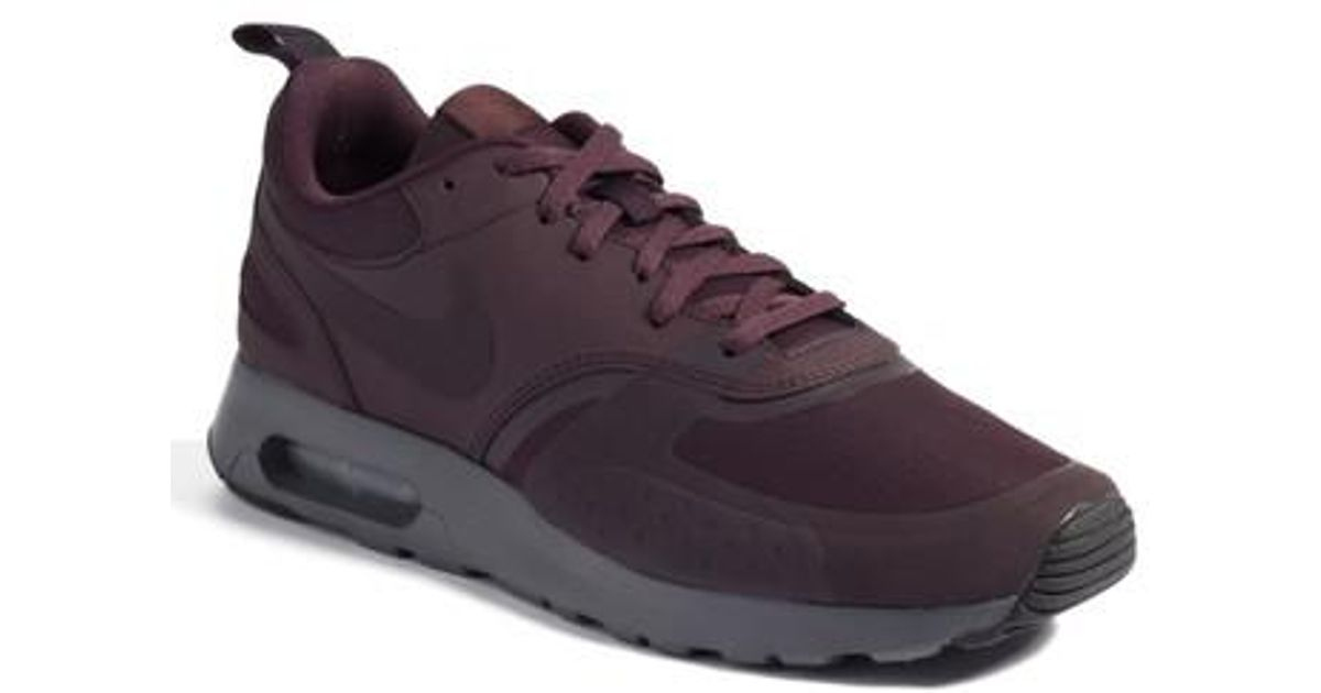 new style 9a0b0 4538d Nike Air Max Vision Premium Sneaker in Purple for Men - Lyst