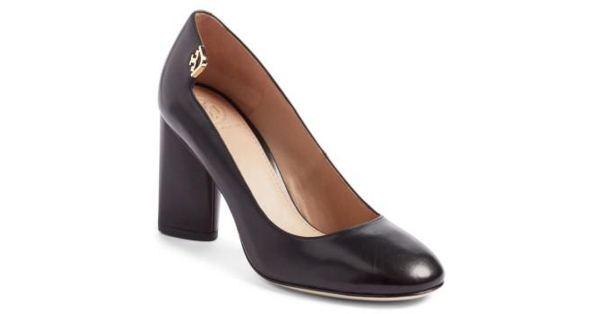 6bfe9fd38 Tory Burch Elizabeth Round Toe Pump in Black - Lyst