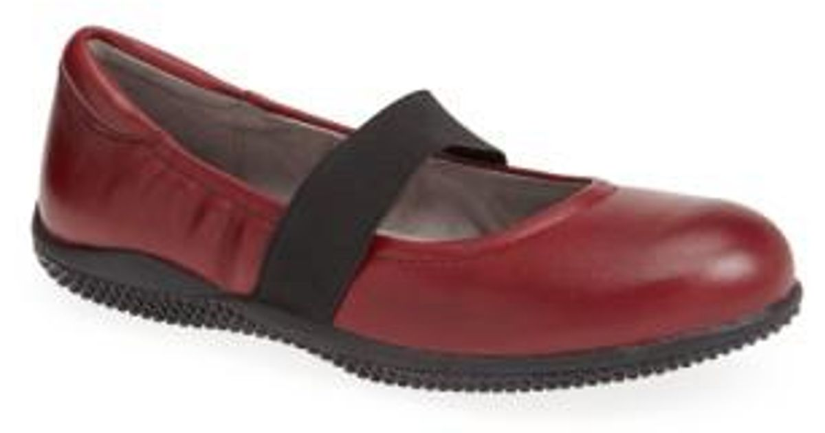 b781e35adee1 Lyst - Softwalk® Softwalk  high Point  Mary Jane Flat in Red