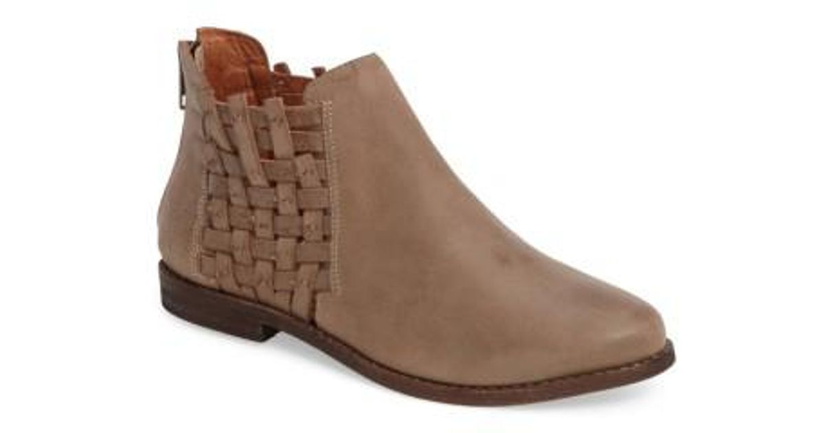 where can you find Chocolat Blu Faven Leather Bootie discount amazing price discount sale online browse cheap price Pp122Fn