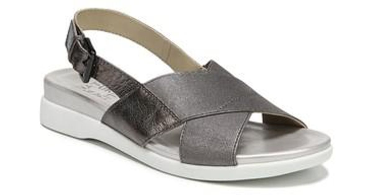 8b114fa39e33 Lyst - Naturalizer Eliza Wedge Sandal in Metallic