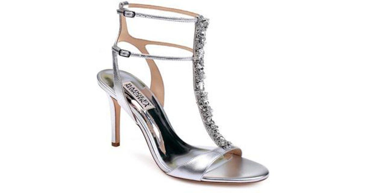Badgley Mischka Women's Hollow T-Strap Embellished Sandal 6UCVrEgI
