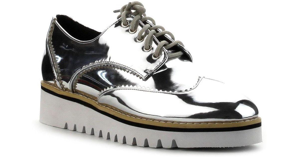 Cape Robbin Wingtip Sneaker Dvh1Gmti