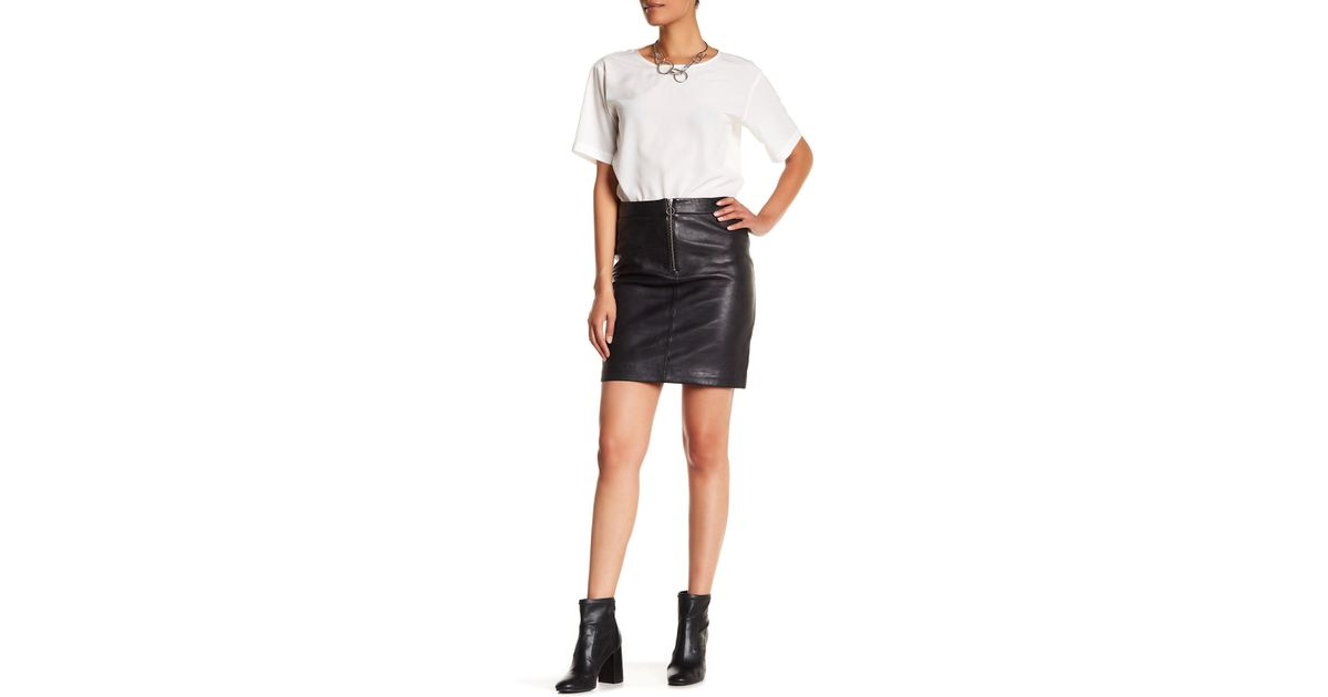 2436cb8933 Lyst - Liebeskind Berlin Lambskin Pencil Skirt in Black