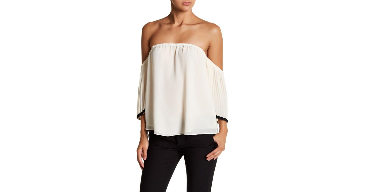 0d17123b050df Lyst - Naked Zebra Pleated Off-the-shoulder Blouse in White