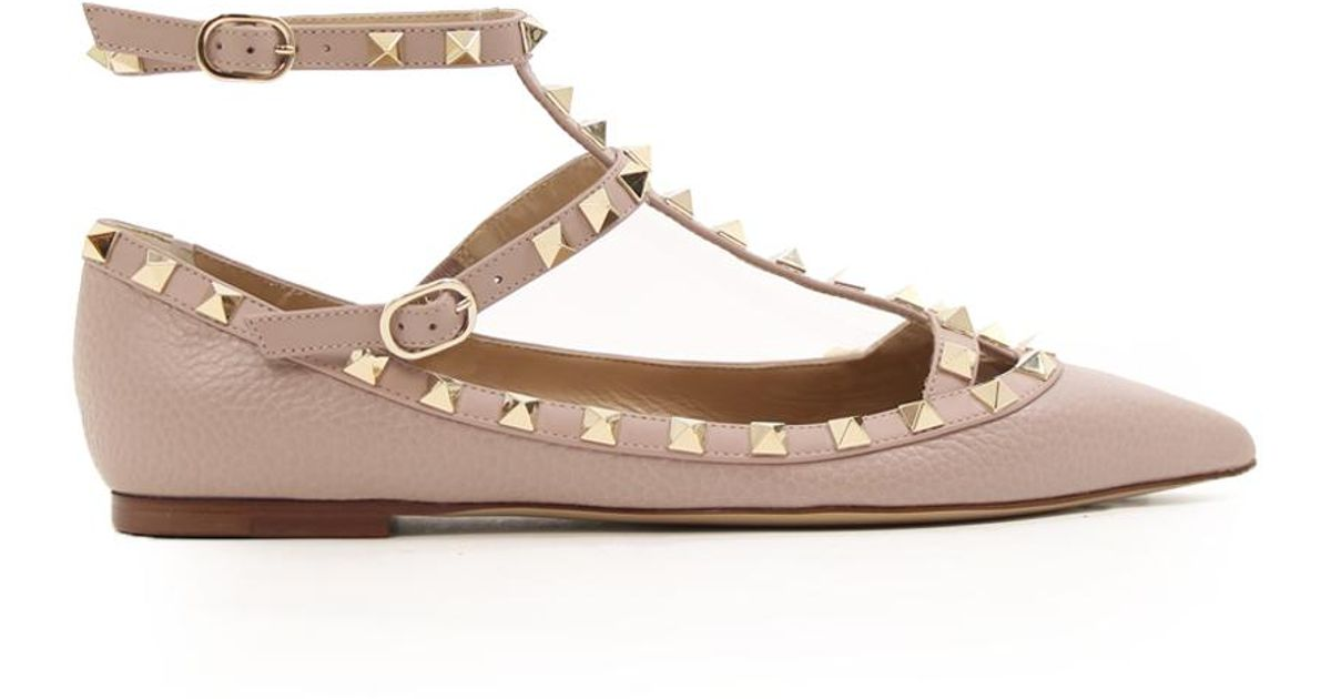 ea072b600 Valentino Rockstud Ballerina Flats Grained Leather Poudre in Natural - Lyst